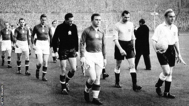 Hungary's team line up against England at Wembley in 1954